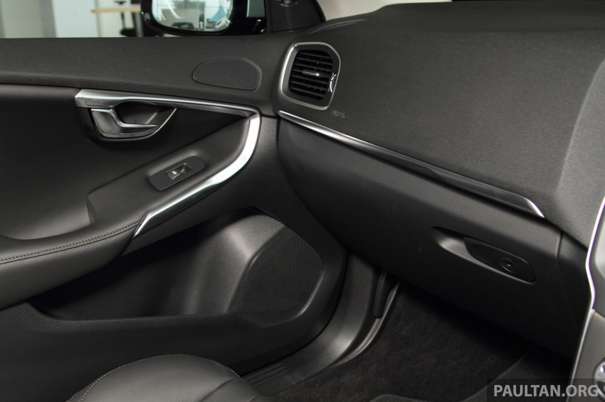 Volvo V40 Sports Edition – T5 gets RM10k add-on pack Image #294278