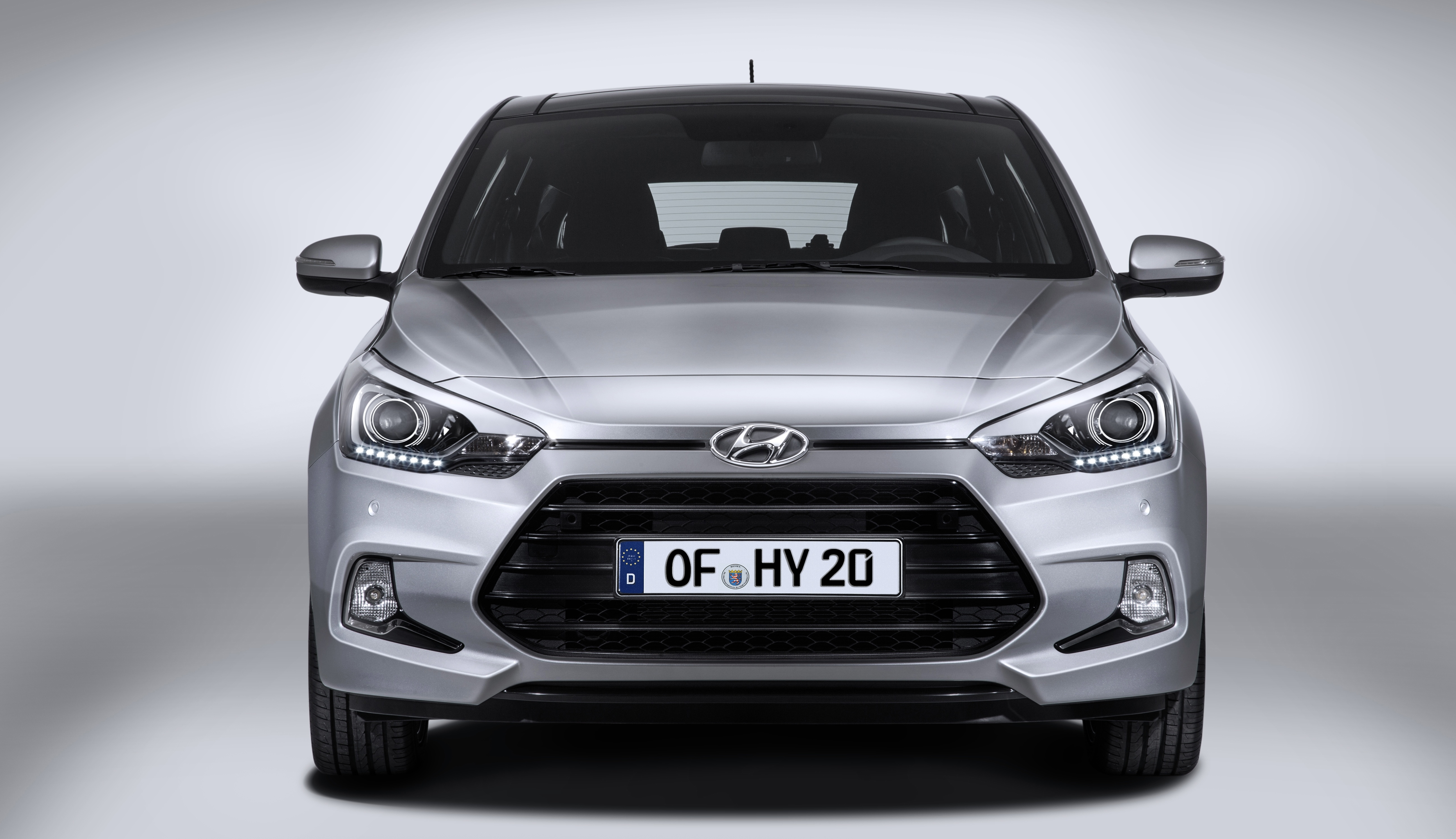 hyundai i20 coupe sporting up the three door route image 295155. Black Bedroom Furniture Sets. Home Design Ideas