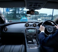 jaguar-land-rover-360-urban-virtual-ghost-car-2