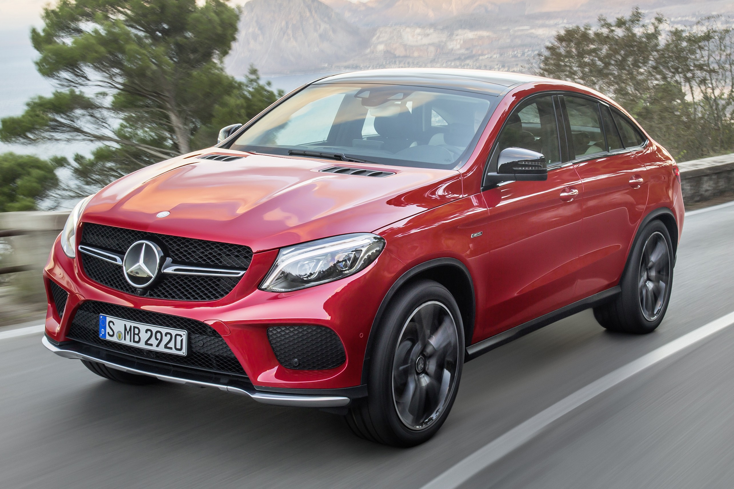 mercedes benz gle coupe stuttgart s x6 rival debuts paul. Black Bedroom Furniture Sets. Home Design Ideas
