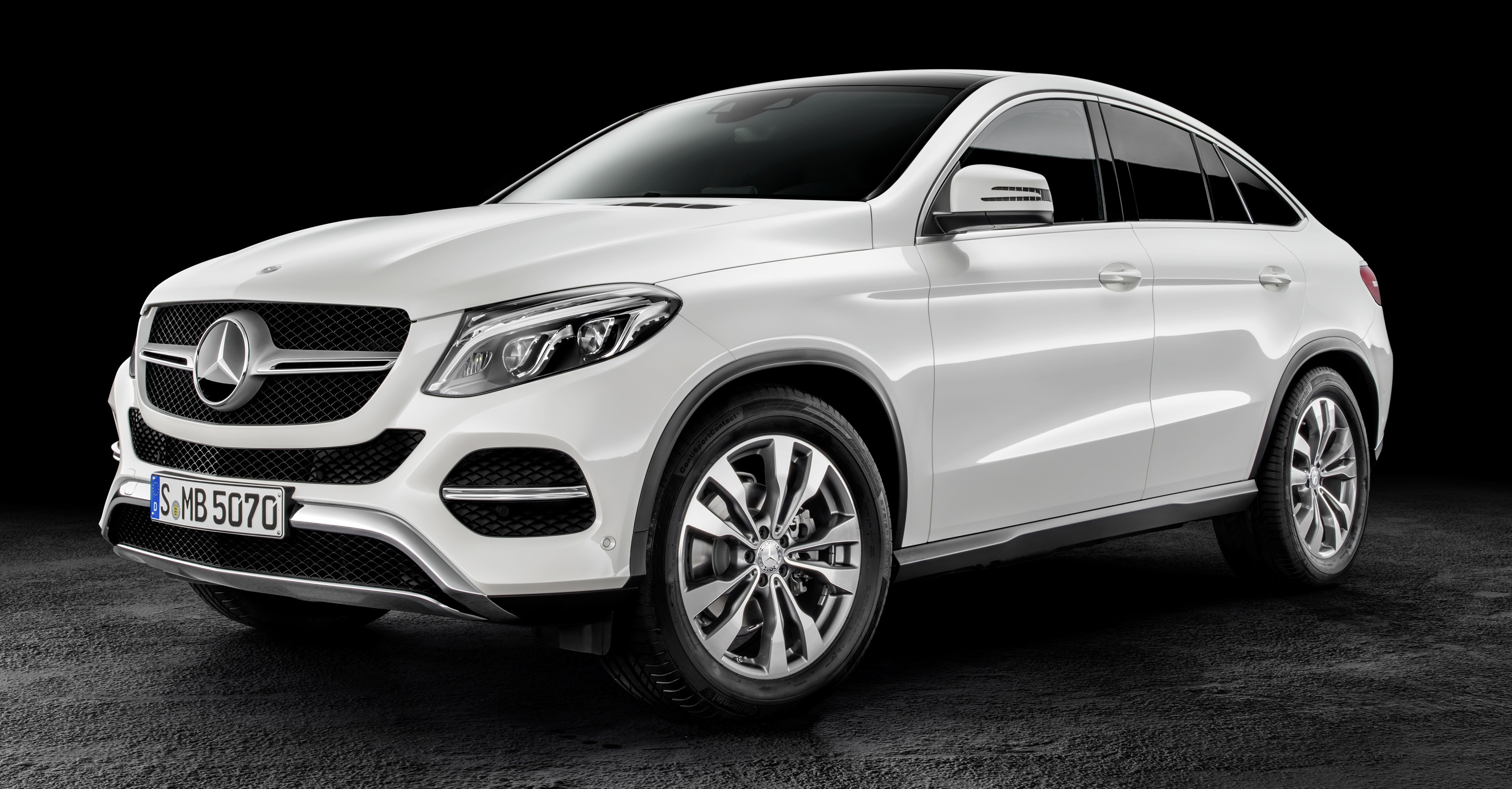 Mercedes benz gle coupe stuttgart s x6 rival debuts image for Mercedes benz x6