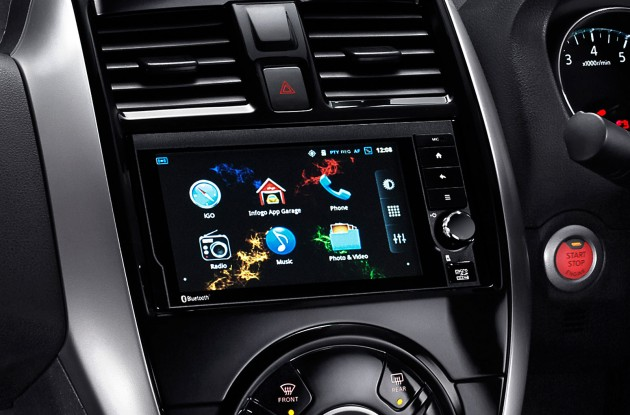07-6.5-inch-screen_Android-based-Multimedia-Navigation-system