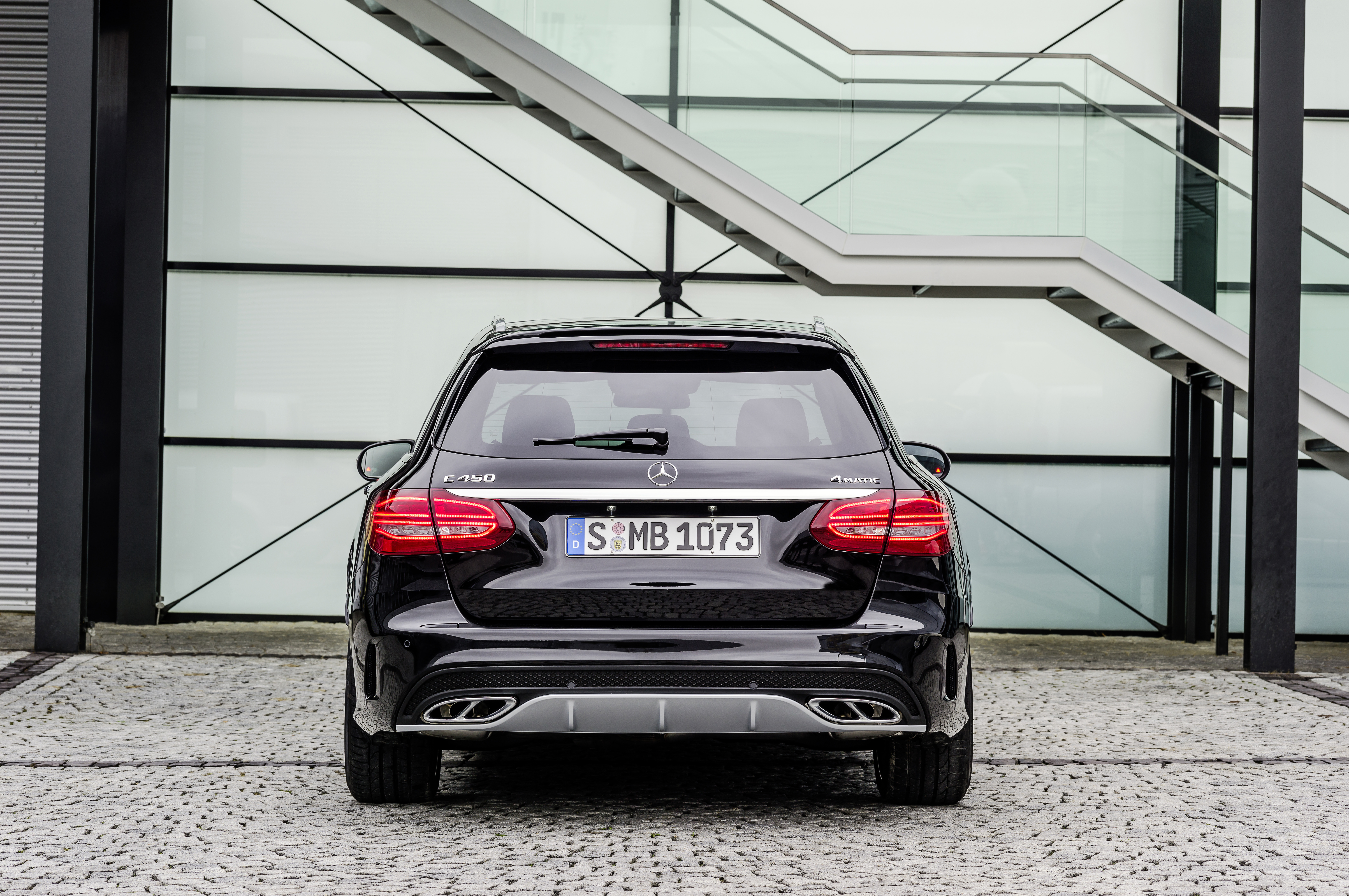 Mercedes-Benz C 450 AMG 4Matic debuts – sportier chassis ...