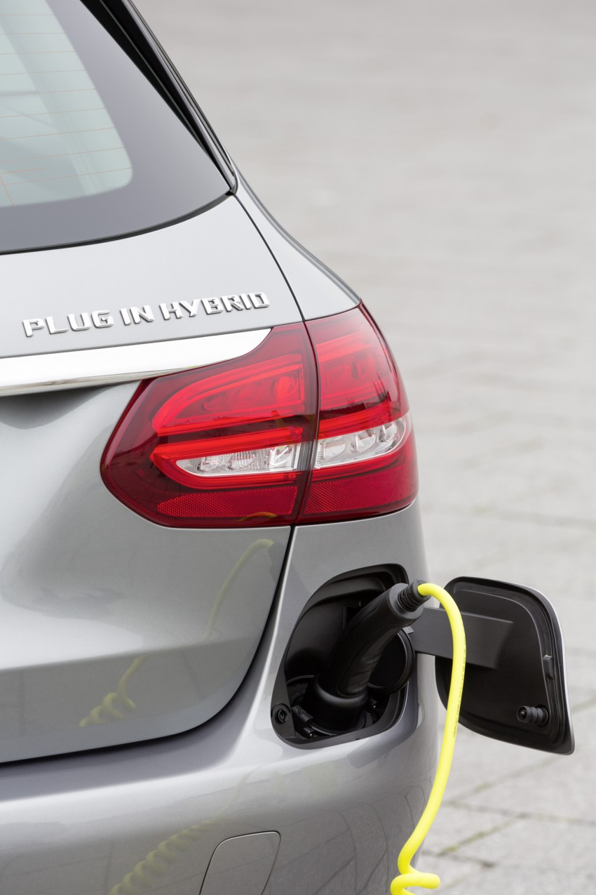 Mercedes-Benz C 350 Plug-In Hybrid debuts with 2.0 turbo engine, electric motor and lithium ion battery Image #302949