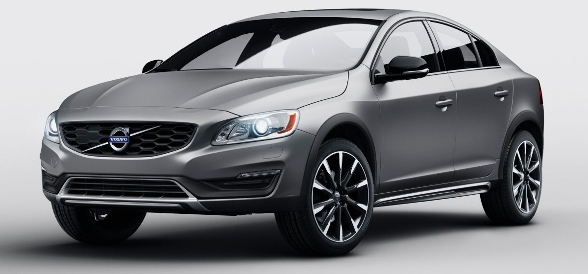 Volvo S60 Cross Country - first sedan CC for Detroit
