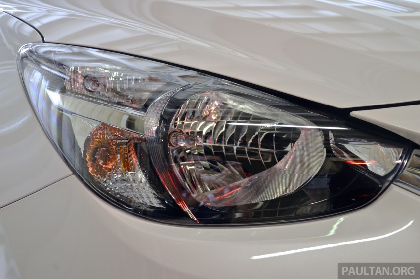 2015 Mazda 2 1.5 launched – hatch and sedan, RM88k Image #305992