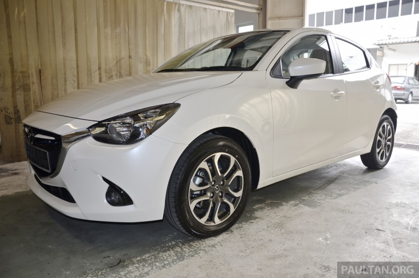 2015 Mazda 2 1.5 launched – hatch and sedan, RM88k Image #306027