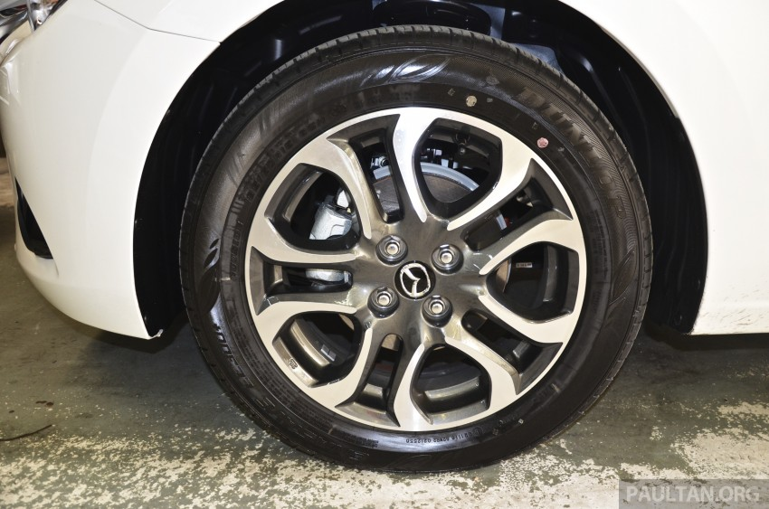 2015 Mazda 2 1.5 launched – hatch and sedan, RM88k Image #305976