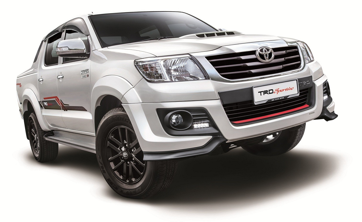 2015 Toyota Hilux updated, new TRD Sportivo variant