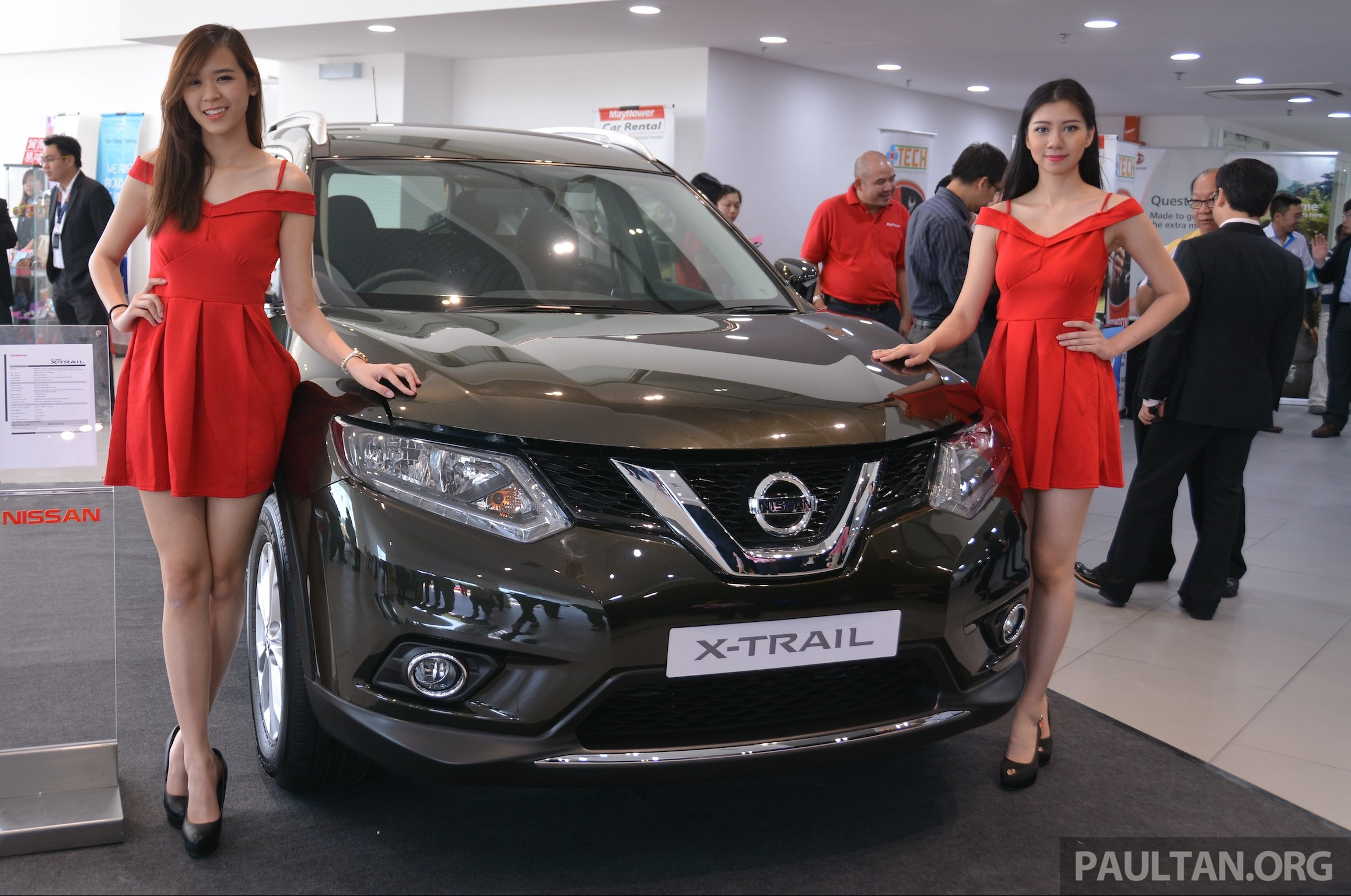 Nissan X Trail Ridingirls