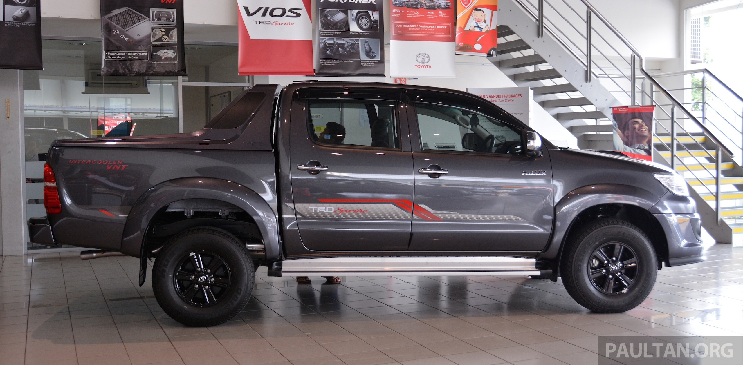 gallery 2015 toyota hilux trd sportivo more aggressive looks