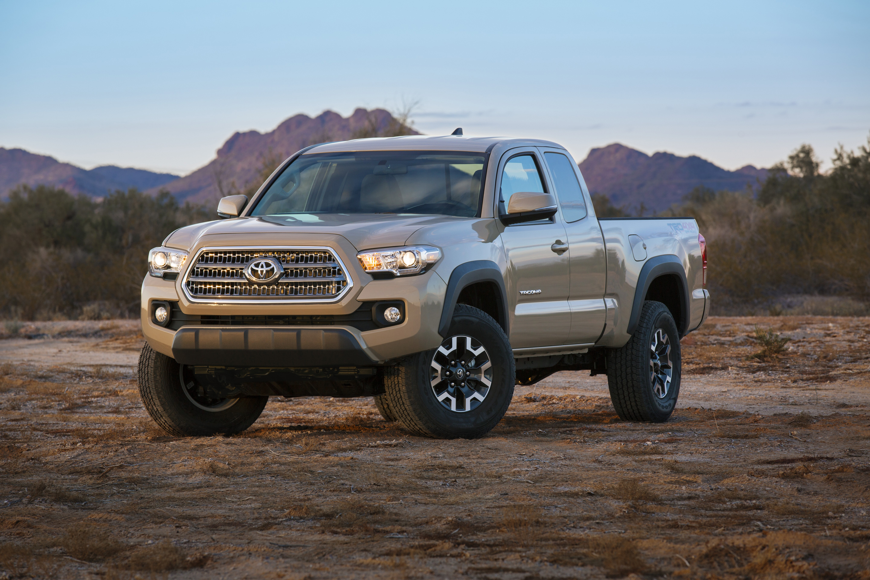 2016 toyota tacoma breaks cover at detroit auto show image 303028. Black Bedroom Furniture Sets. Home Design Ideas