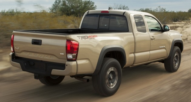 2016_Toyota_Tacoma_TRD_OffRoad_010