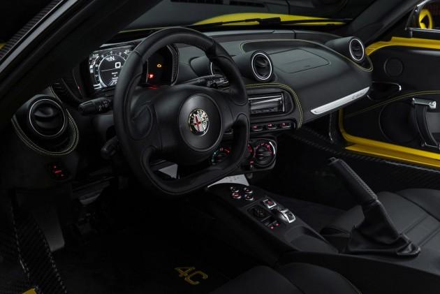Alfa-Romeo-4C-Spider- 2016-28