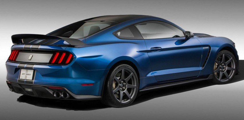 Shelby GT350R – the 5.2 V8 track-ready Ford Mustang Image #302671
