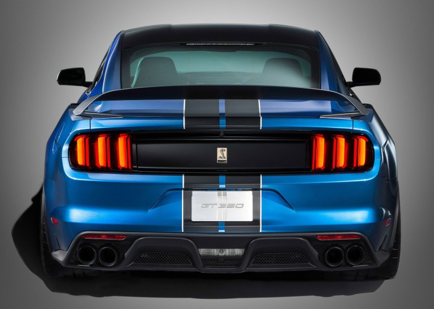 Shelby GT350R – the 5.2 V8 track-ready Ford Mustang Image #302674