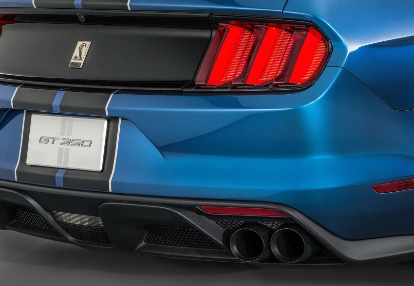 Shelby GT350R – the 5.2 V8 track-ready Ford Mustang Image #302682