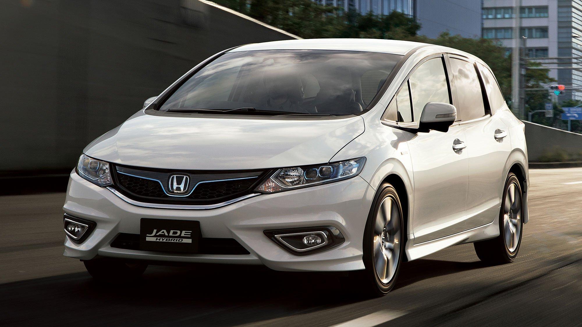 Honda Jade Hybrid - six-seater MPV launching in Japan
