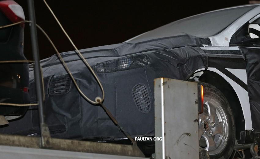 "SPYSHOTS: Hyundai ""AE"" Prius-fighter dedicated hybrid seen wearing production body Image #305296"