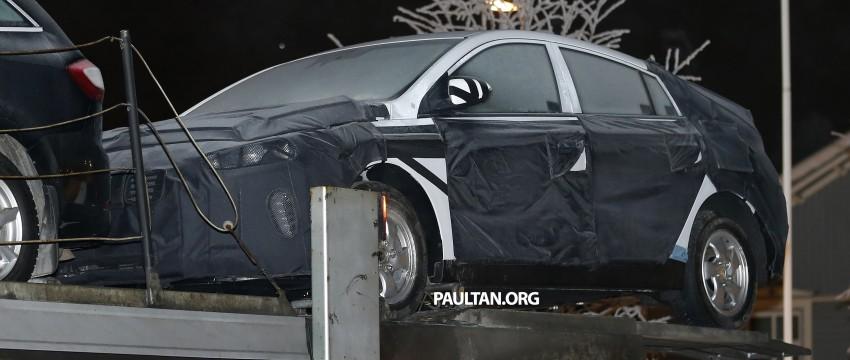 "SPYSHOTS: Hyundai ""AE"" Prius-fighter dedicated hybrid seen wearing production body Image #305293"