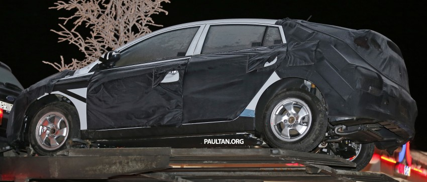 "SPYSHOTS: Hyundai ""AE"" Prius-fighter dedicated hybrid seen wearing production body Image #305295"