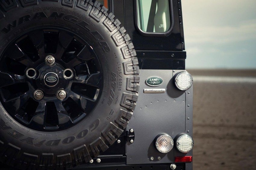Three limited-edition Land Rover Defenders announced – Solihull production ends in Dec 2015 Image #300710