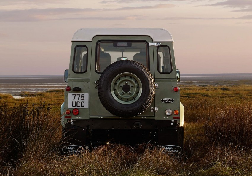 Three limited-edition Land Rover Defenders announced – Solihull production ends in Dec 2015 Image #300719