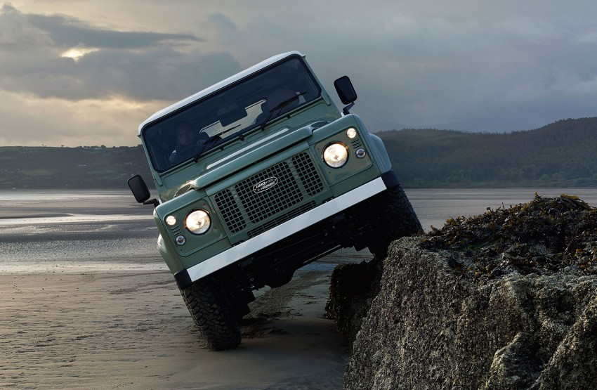 Three limited-edition Land Rover Defenders announced – Solihull production ends in Dec 2015 Image #300722