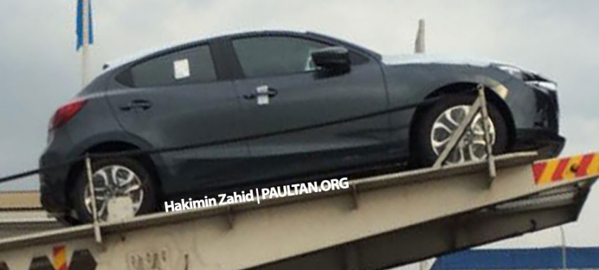 SPIED: 2015 Mazda 2 hatchback spotted in Malaysia Image #305307