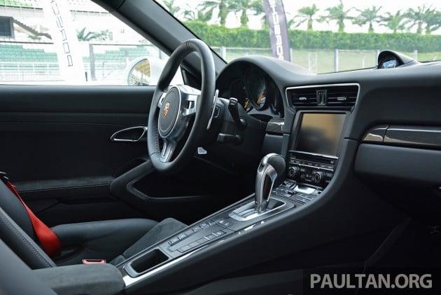 Porsche 911 GT3 Sepang 12