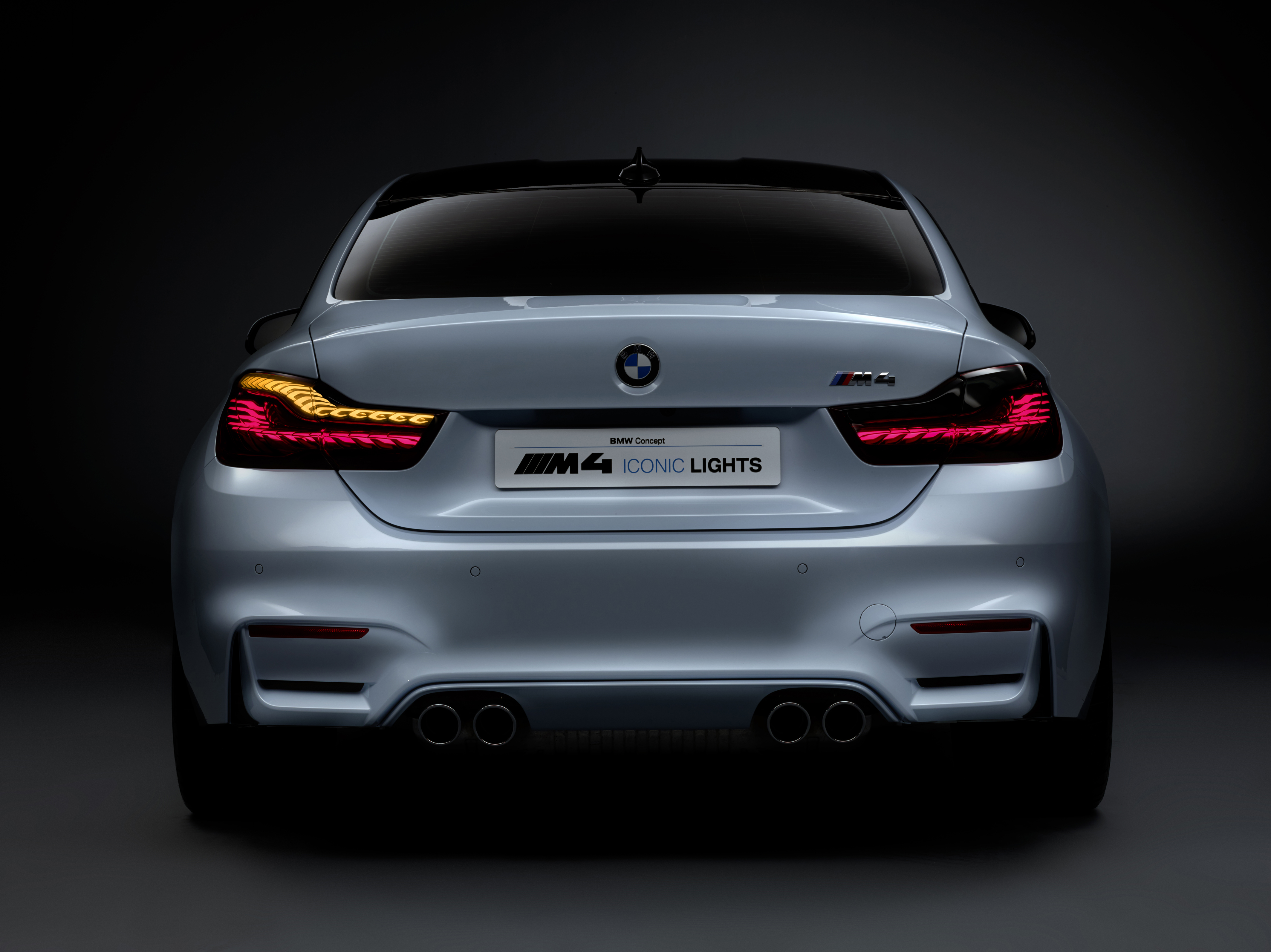 Ces 2015 Bmw M4 Concept Iconic Lights Showcases Laser And Oled Technology For Automotive