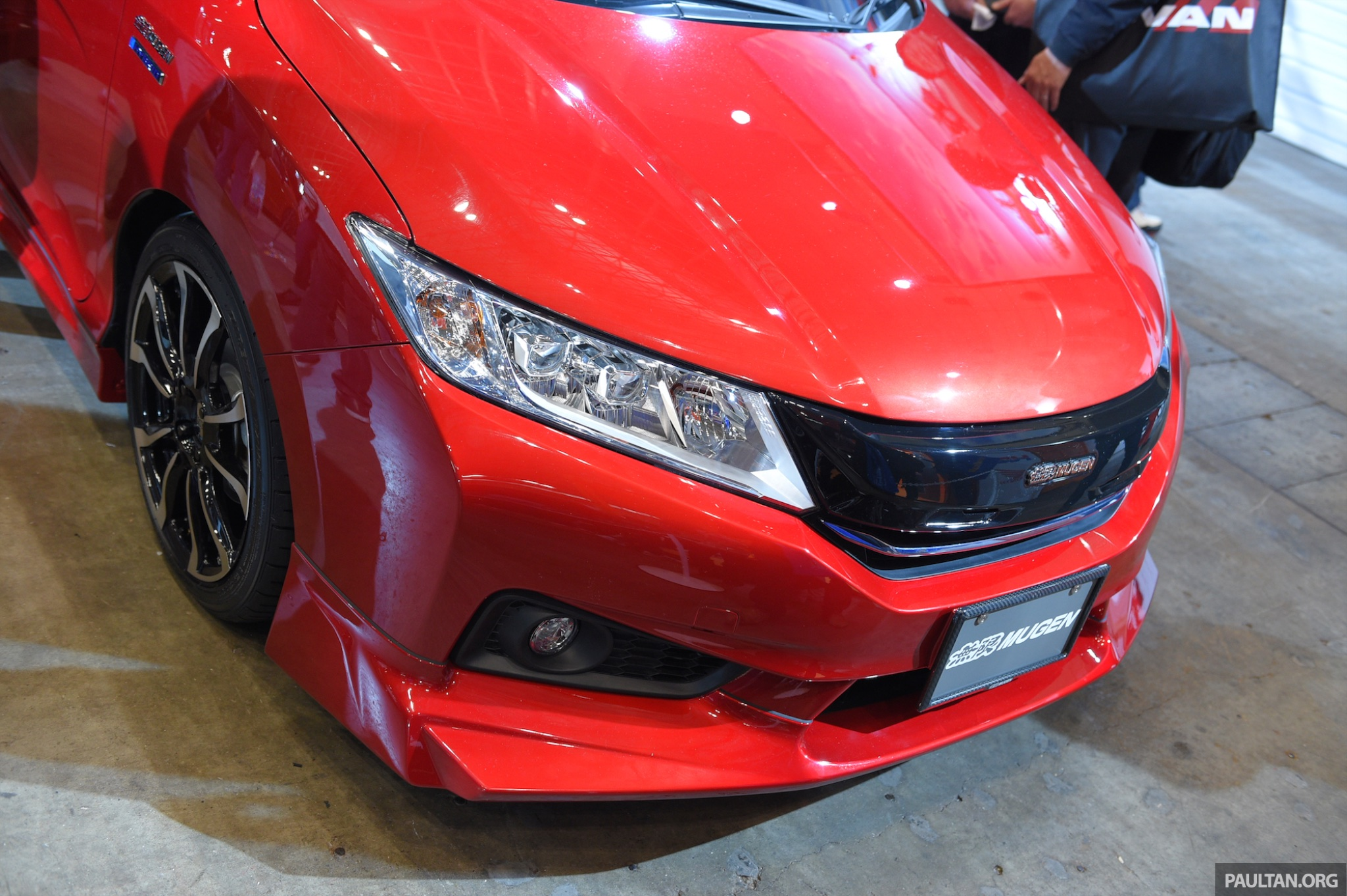Auto Shows 2015 >> Mugen shows off pimped up Honda Grace (City Hybrid) at 2015 Tokyo Auto Salon Image 301992