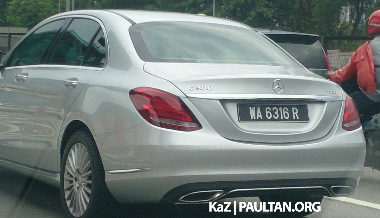 Spied mercedes benz c 300 bluetec hybrid in malaysia for Mercedes benz malaysia
