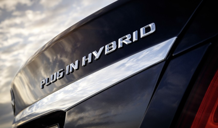Mercedes-Benz C 350 Plug-In Hybrid debuts with 2.0 turbo engine, electric motor and lithium ion battery Image #302478