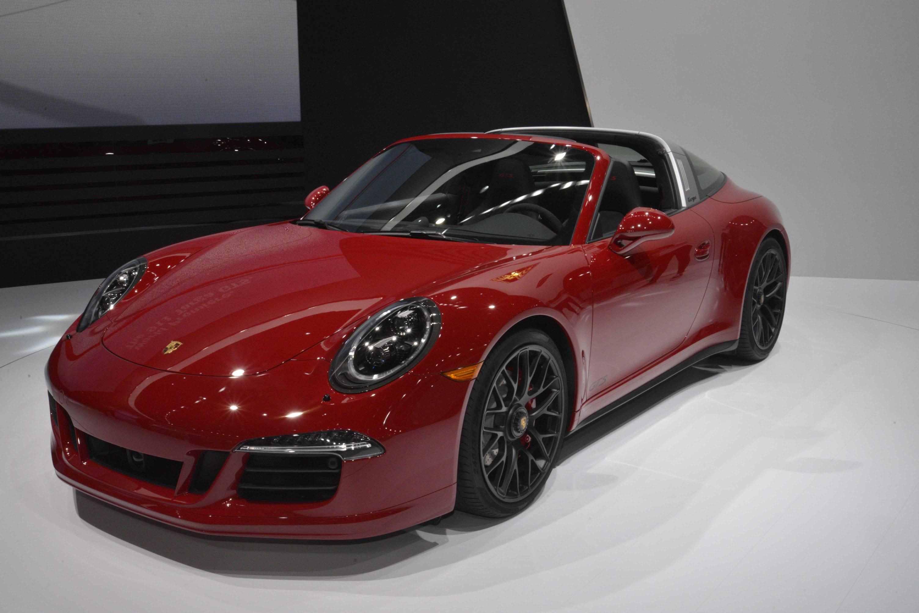Porsche 911 Targa 4 Gts Drops Its Top At 2015 Naias Image