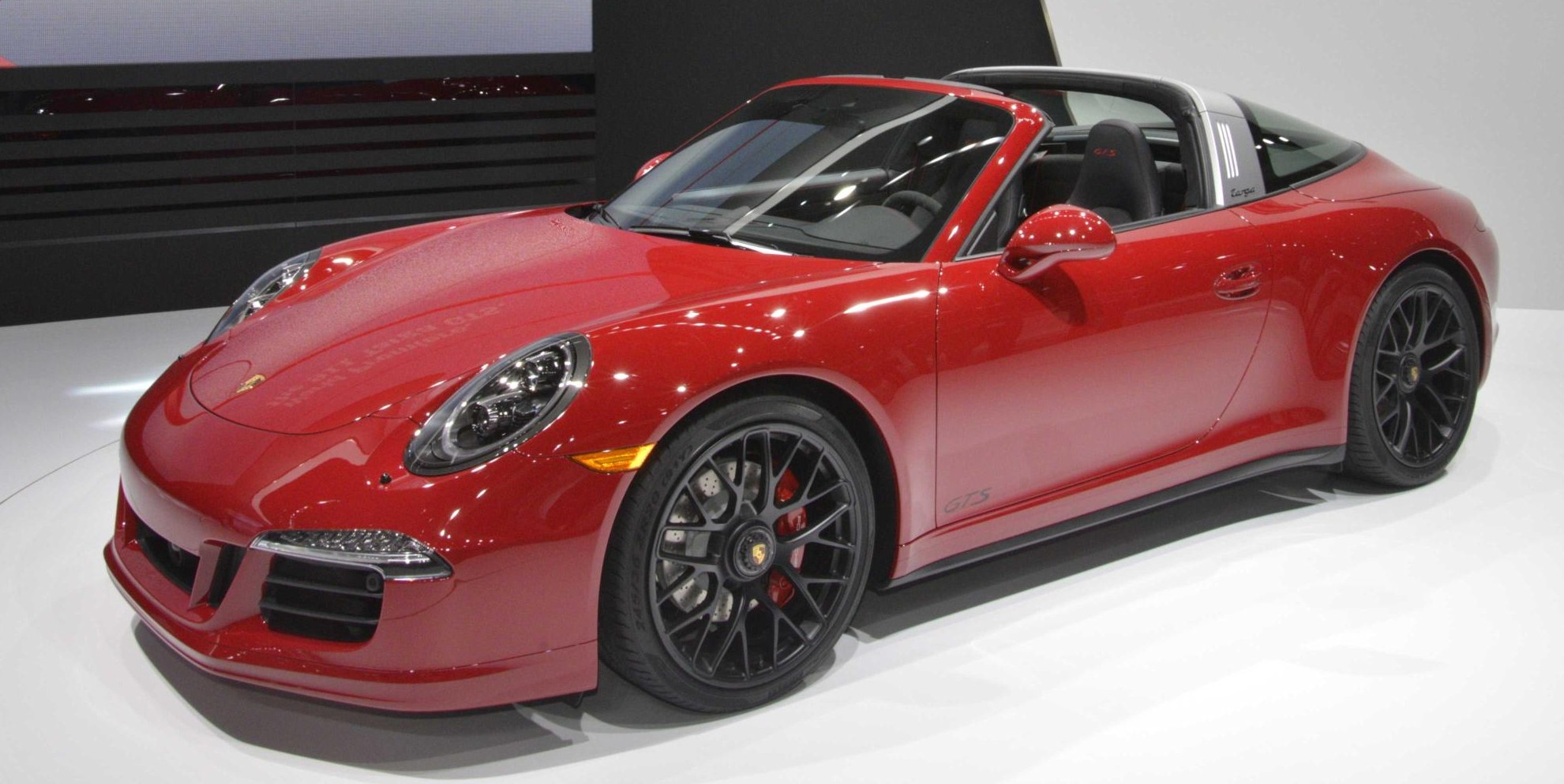 porsche 911 targa 4 gts drops its top at 2015 naias paul. Black Bedroom Furniture Sets. Home Design Ideas