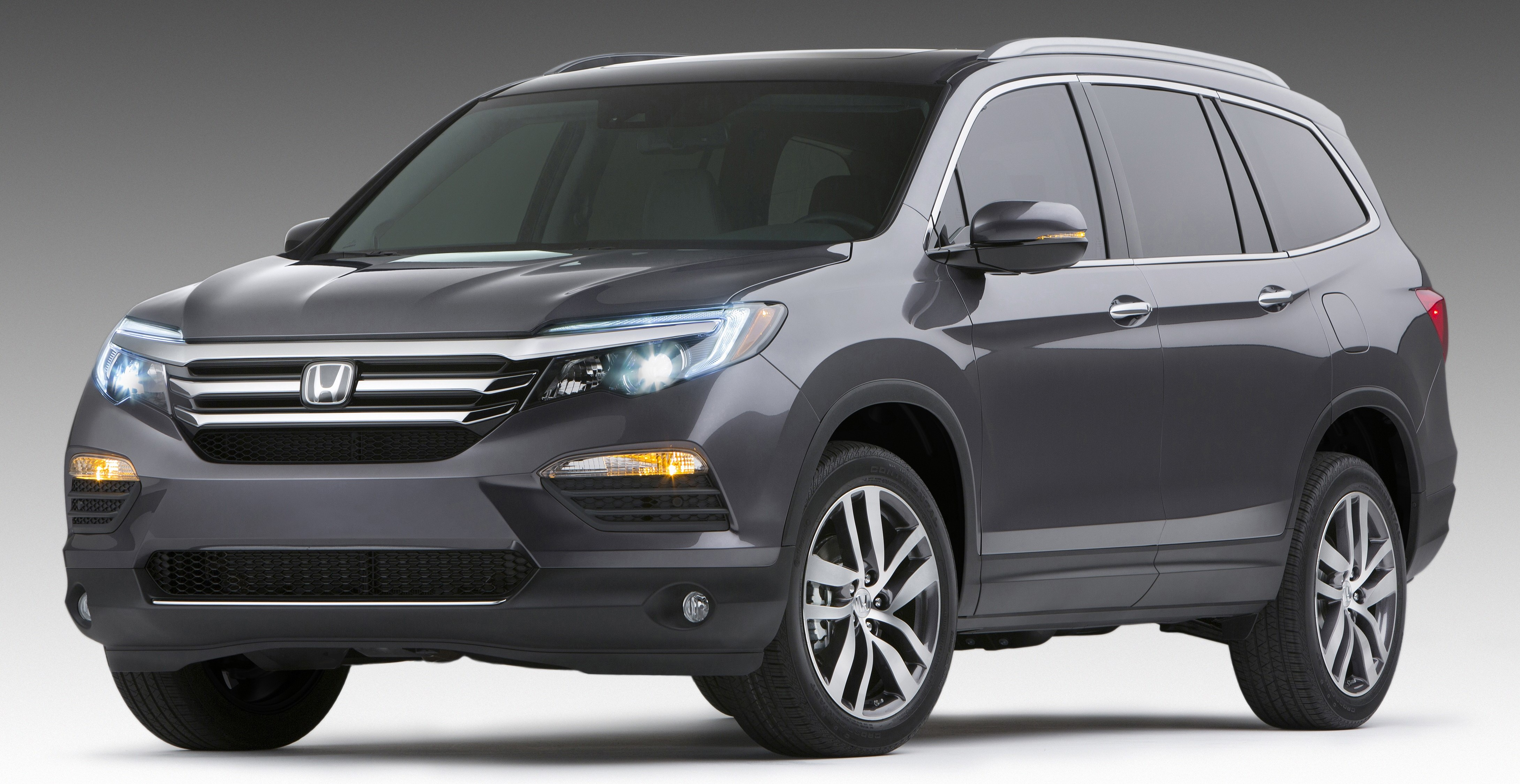 2017 honda cr v 7 seater to form an important pillar in australia with no rhd pilot and. Black Bedroom Furniture Sets. Home Design Ideas