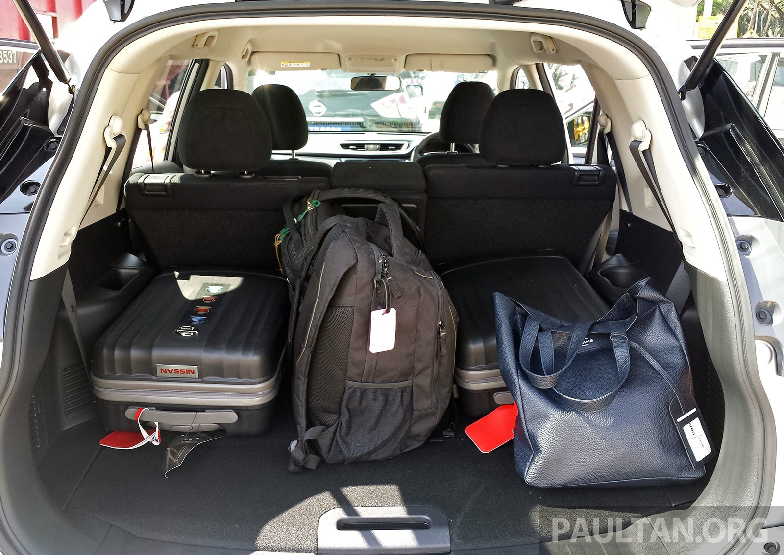 driven nissan x trail t32 will it be third gen lucky. Black Bedroom Furniture Sets. Home Design Ideas