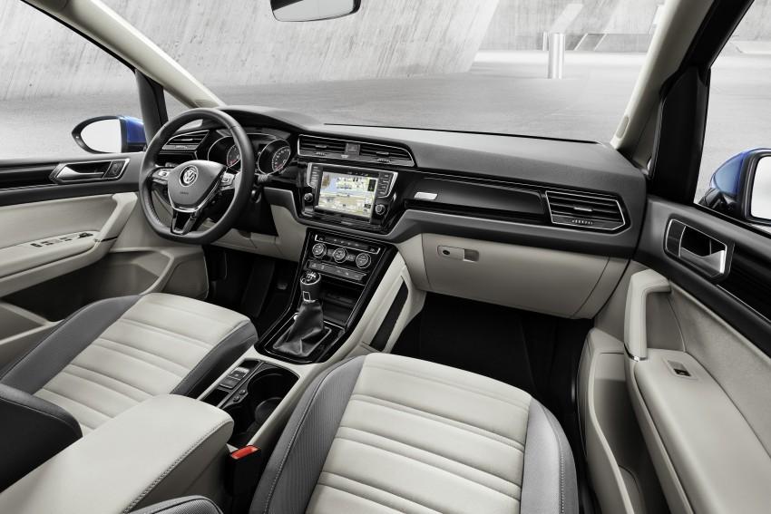 Volkswagen Touran – third-gen makes Geneva debut Image #313989