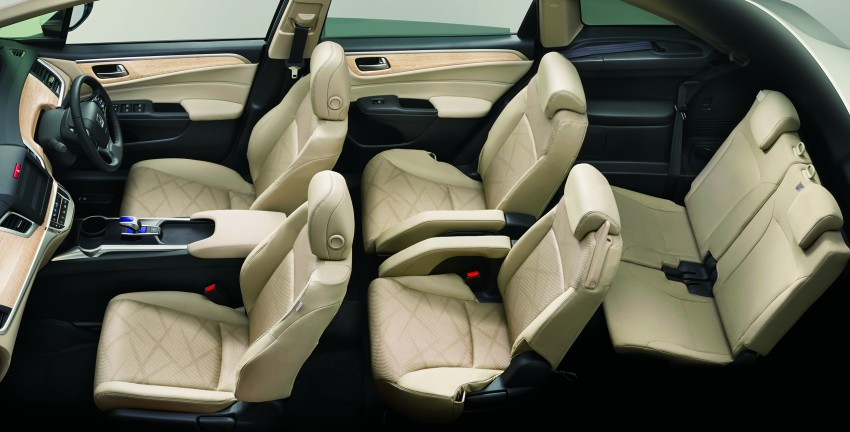 Honda Jade Hybrid six-seater goes on sale in Japan Image #311215