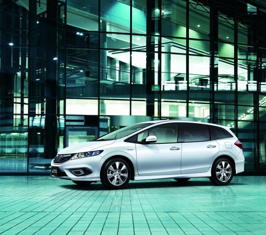 Honda Jade Hybrid six-seater goes on sale in Japan Image #311222