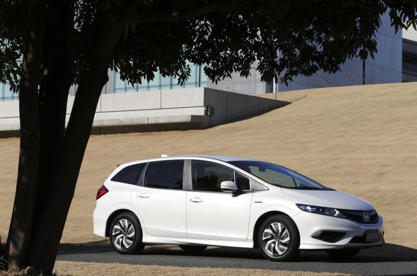 Honda Jade Hybrid six-seater goes on sale in Japan Image #311201