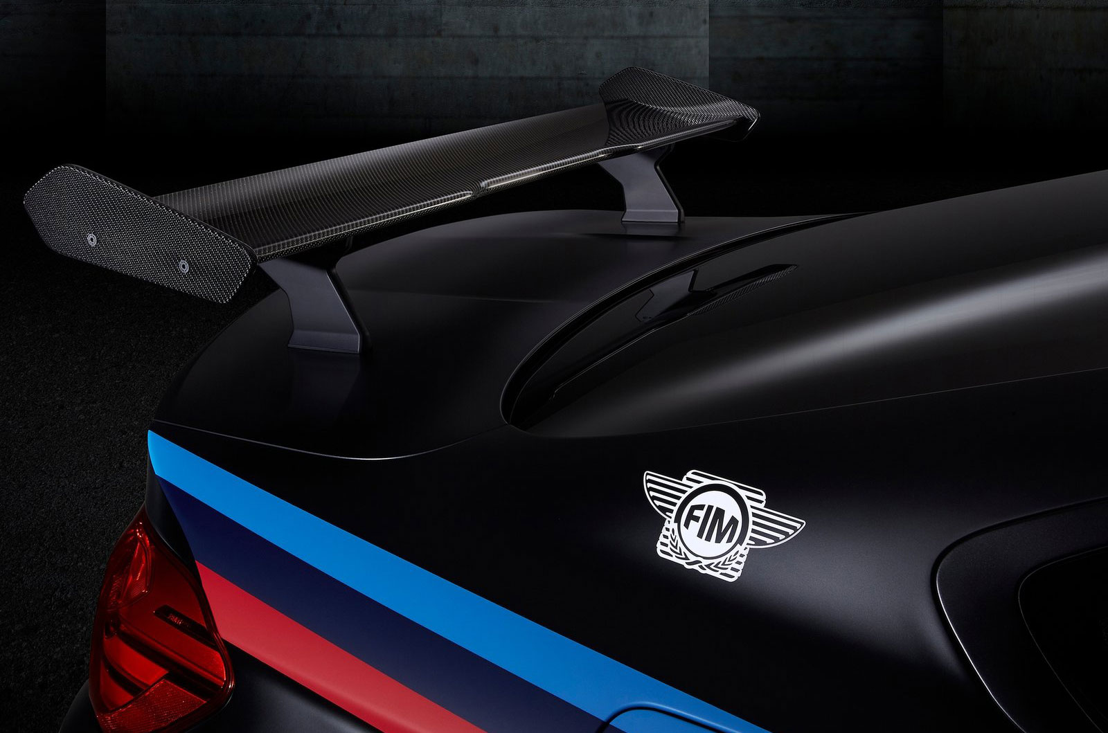 New Bmw Car >> BMW M4 2015 MotoGP Safety Car tests new water injection system – to debut in an M car soon Paul ...
