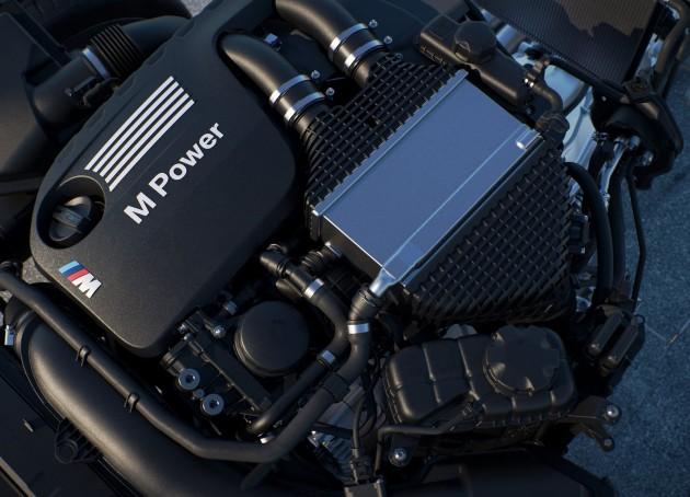 BMW M4 2015 MotoGP Safety Car-13