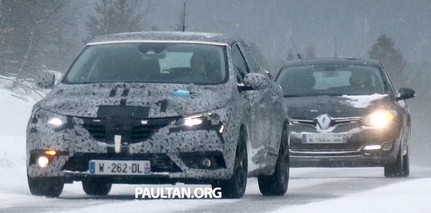 SPYSHOTS: Renault Megane IV seen winter-testing Image #314492