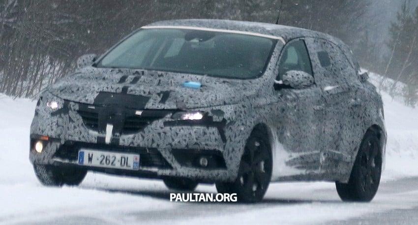 SPYSHOTS: Renault Megane IV seen winter-testing Image #314491