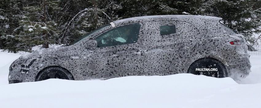 SPYSHOTS: Renault Megane IV seen winter-testing Image #314485