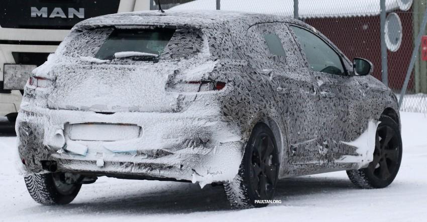 SPYSHOTS: Renault Megane IV seen winter-testing Image #314481