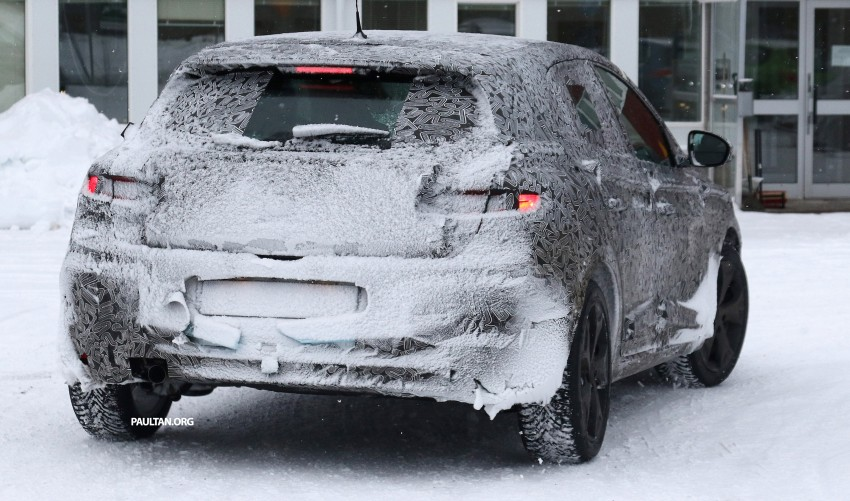 SPYSHOTS: Renault Megane IV seen winter-testing Image #314482