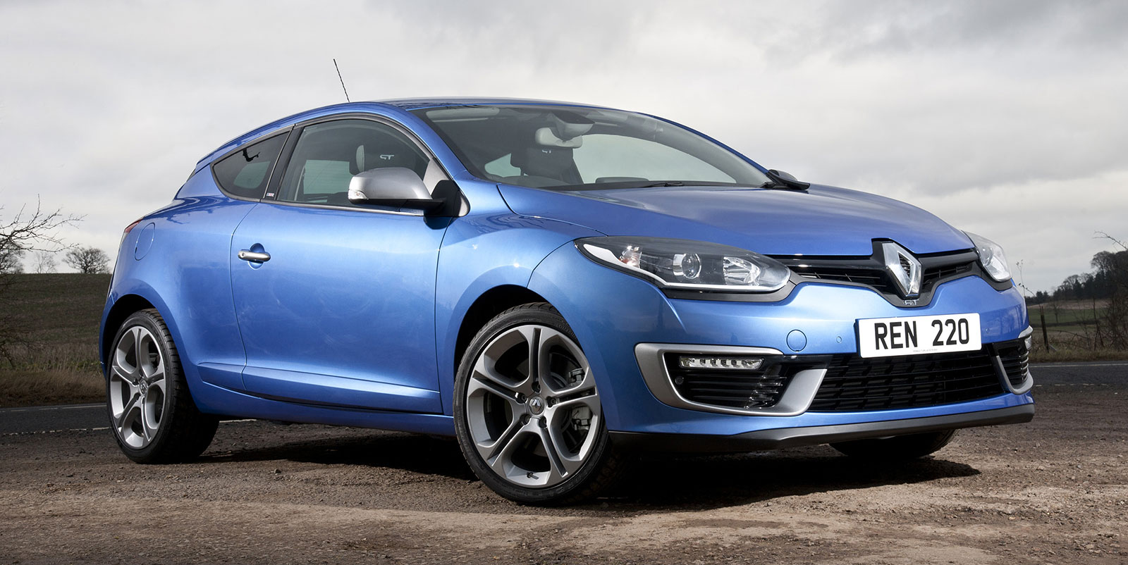 renault megane gt 220 a milder rs experience. Black Bedroom Furniture Sets. Home Design Ideas